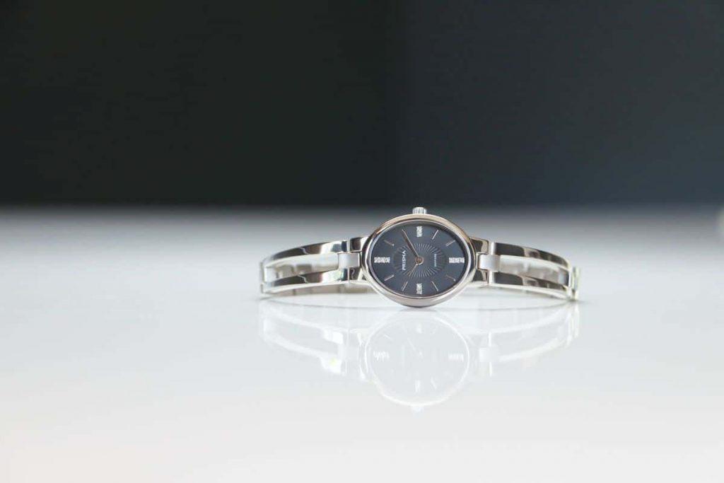 titanium dameshorloges prisma purify oval horloges nederlands horlogemerk