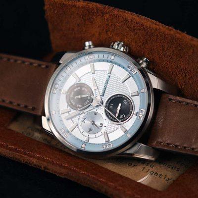how to clean your watch hoe horloge schoonmaken prisma traveller light blue lichtblauw horloge