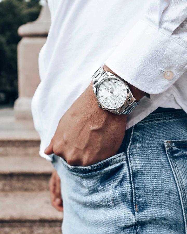 horloge bij wit overhemd watch white shirt
